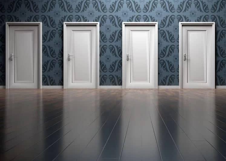 Comment réussir l'habillage d'une porte intérieure