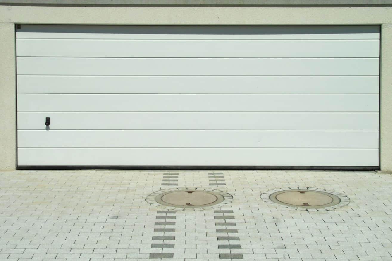 Comment sécuriser une porte de garage sectionnelle